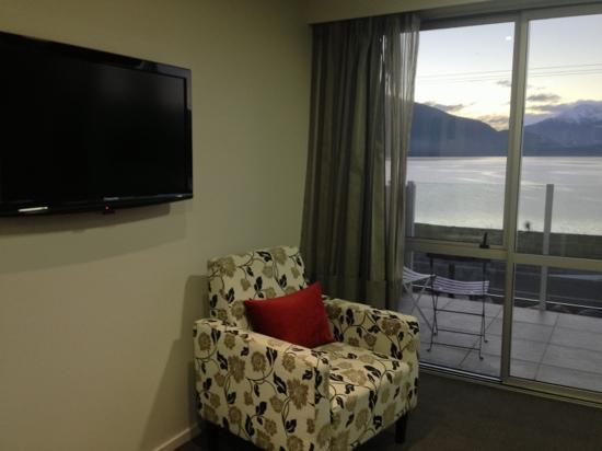Te Anau Lakeview Holiday Park: 客厅一角