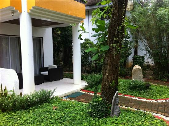 Pinjalo Resort Villas: 我们入住的房间门口