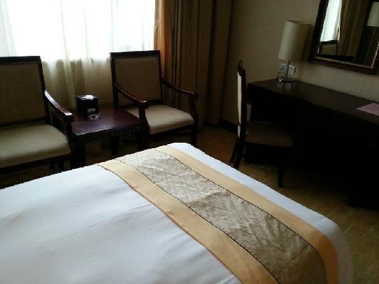 Mangesen Hotel : 酒店单间