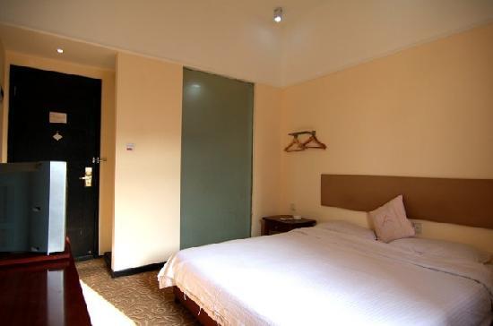 Anxin Lee Yum Hotel: 大床房