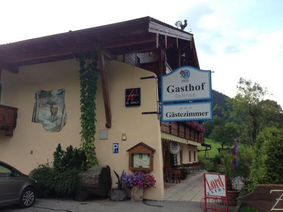 Baltram Gasthof: 大门