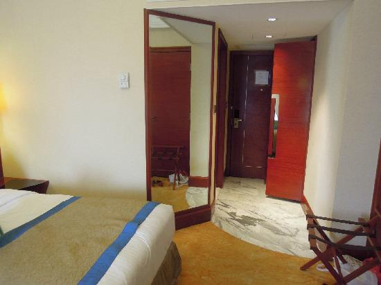 Hotel Royal Macau: 房门 (澳门皇都酒店)