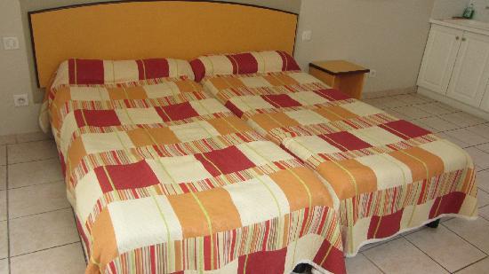 Hotel Le Florian: 两张1.2米床拼起来