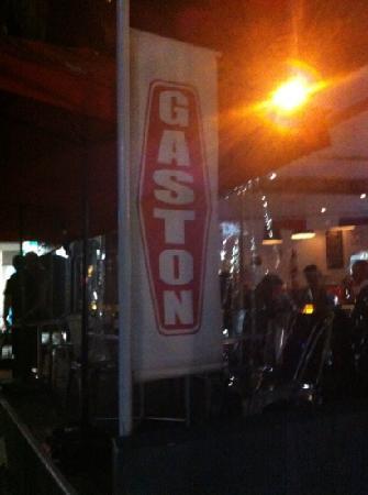 Gaston: 外景