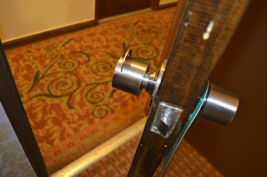 Chinatown Hotel: door