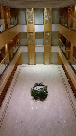 Hotel Nikko Wuxi: 室内回廊