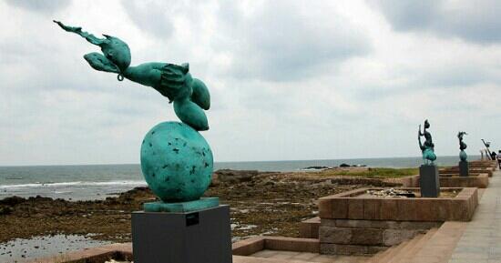 Qingdao Haibin Sculpture Park : 雕塑很漂亮