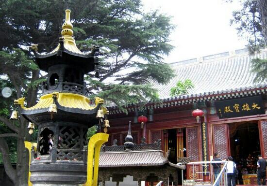 Zhanshan Temple: 寺庙