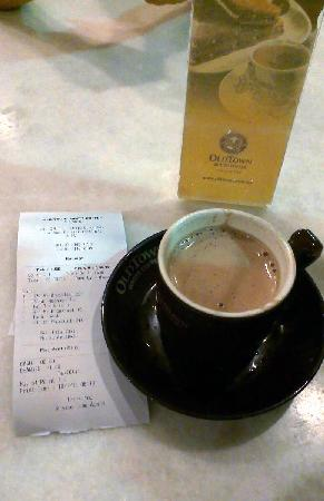 Old Town White Coffee: hot coffee