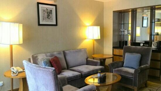 Renaissance Shanghai Yangtze Hotel: 套房