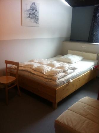 Babelfish Hostel: single room