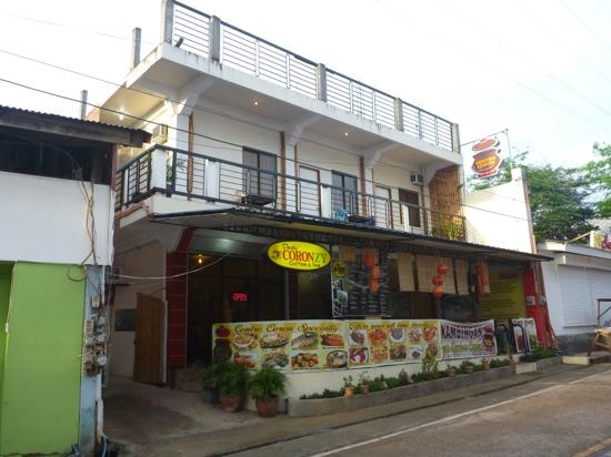 Centro Coron Bed and Breakfast: 酒店正门