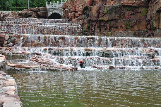 Chaoyang Ditch Scenic Resort: 河流