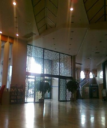 โรงแรมบลูพาเลซ: 大厅
