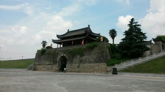 Ancient City Wall of Shou County : 古城宾阳门