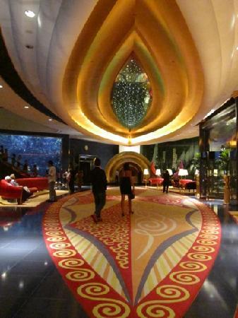 Burj Al Arab Jumeirah: 酒店大堂