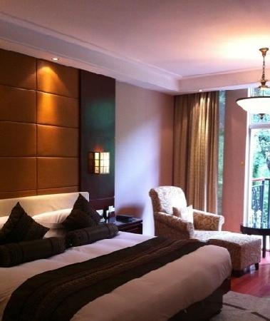 West Lake Hillview International Hotel: 房间