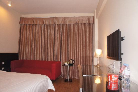 Vienna Hotel Shenzhen Luohu Kou'an: 豪华大床房