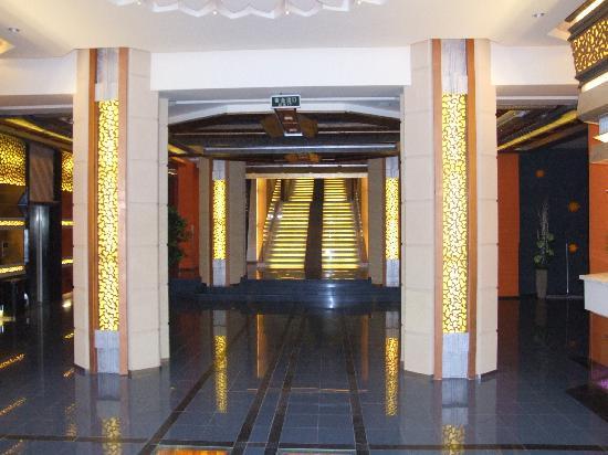 Motel 168 Wuhan Wangjiadun: 大厅