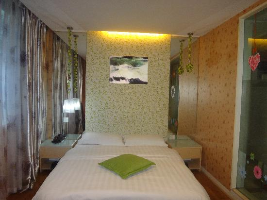 Chengdu Xietingge Hotel