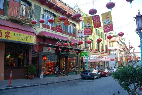 Chinatown: 张灯结彩
