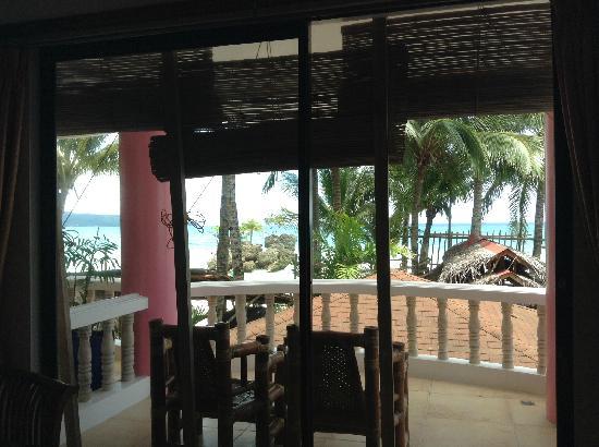 Nigi Nigi Too Beach Resort: 二楼阳台和景观