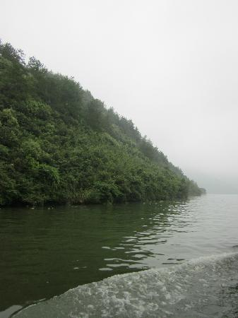 Tonglu Fuchun River Small Three Gorges: 桐庐富春江小三峡