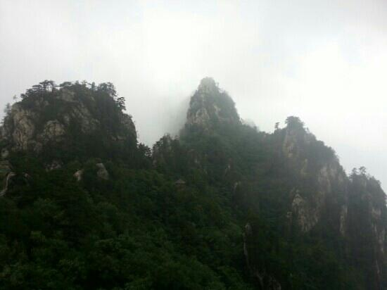 Laojie Mountain: 老界岭
