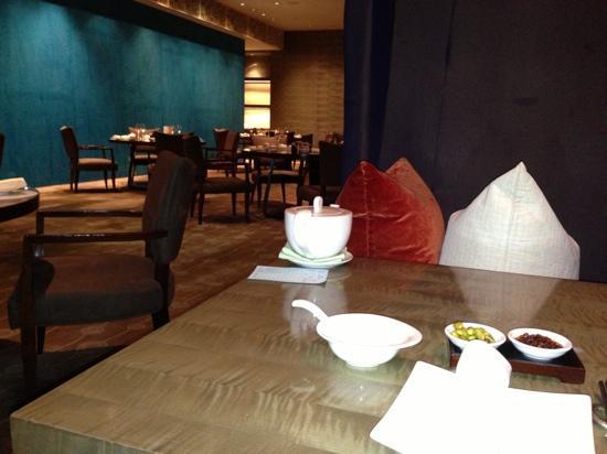 Marco Polo Wuhan: 二楼中餐厅台位