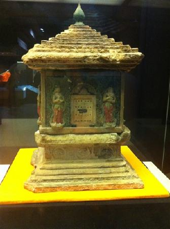 Treasure Hall of Famen Temple: 佛祖舍利塔