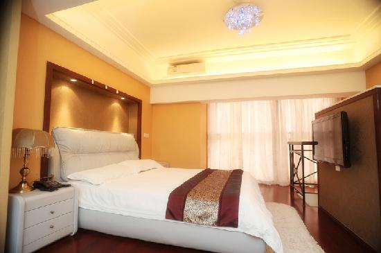 Big Shanghai International Garden Apartment Hotel: 花园中复式套房