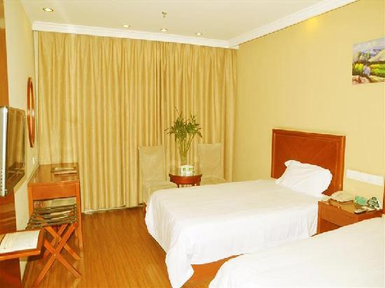GreenTree Inn Wenshang Baoxiang Temple Express Hotel: 标准房