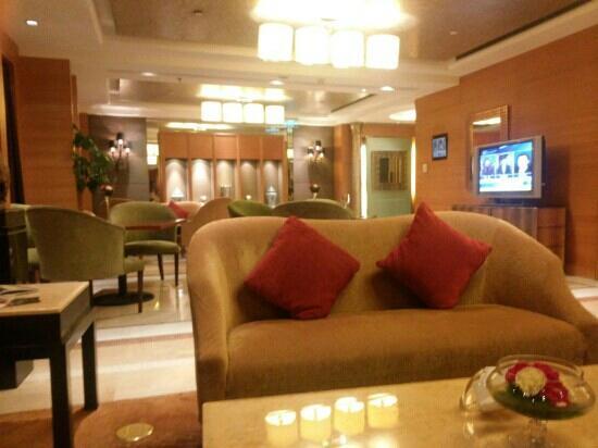 Sofitel Chengdu Taihe : 行政酒廊,有自助早餐,晚餐,下午茶