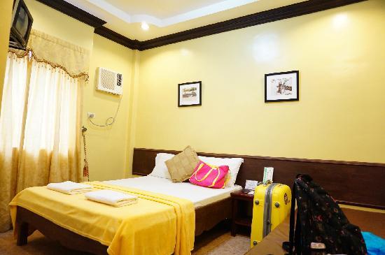 Mt. Tapyas Hotel: 房间