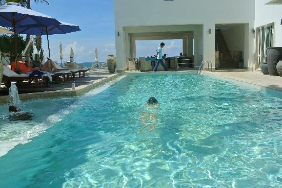 Shades Resort: 最爱这个泳池了,可惜最后几天好脏。。。