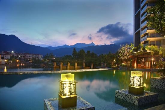 Kingkey Palace Hotel Shenzhen: 室外游泳池