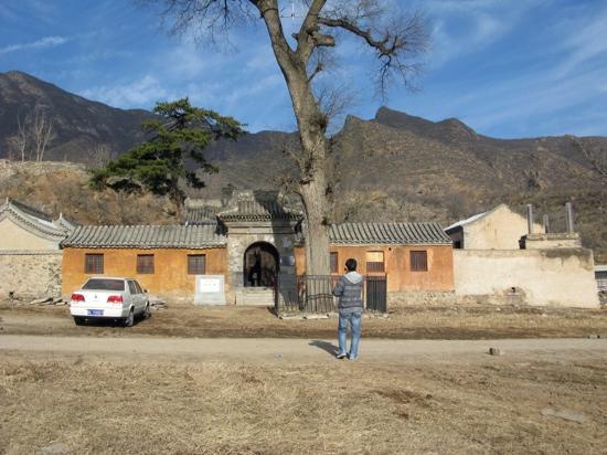Mentougou Lingyue Temple