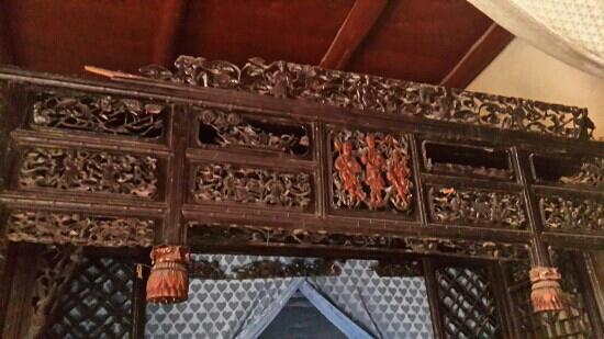 KANGBAI-WANIS Mansions: 家主的床没有用一颗钉子