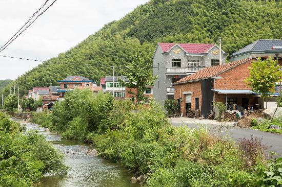 Wuxie National Forest Park: 北门小村