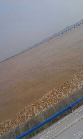 Sanmenxia Dam Scenic Area on Yellow River: 黄河