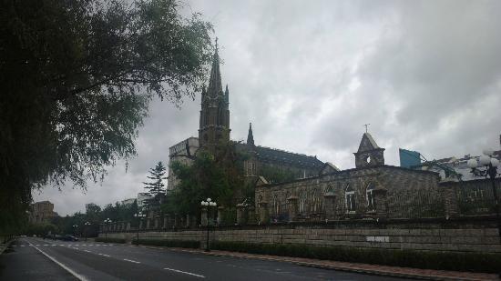 Jilin Catholic Church: 教堂全景