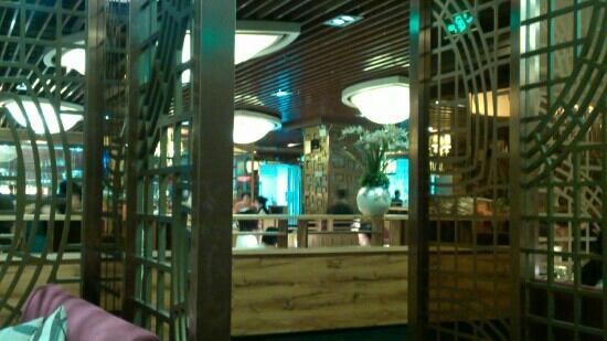 Ban QiuShan Western Restaurant (ShiMao Plaza)