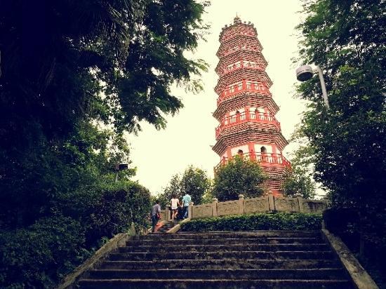 Zhongshan Fufeng Wen Tower: 塔