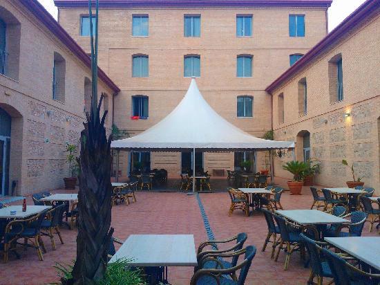Checkin Valencia: 酒店的天井