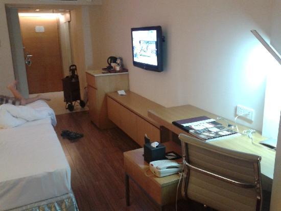 Starway Hotel Guangzhou Huanshi East Road : 床前