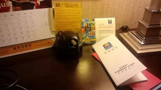 Comfort Inn & Suites: k