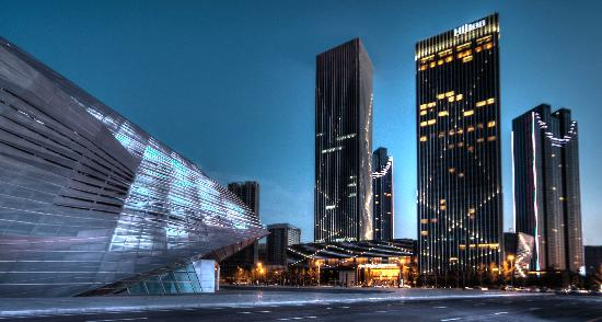 Hilton Dalian: 酒店外观