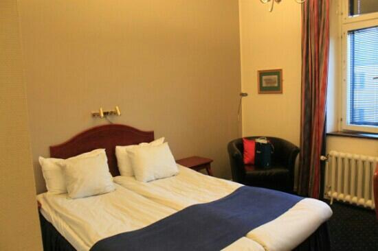 Clarion Collection Hotel Drott: 房间不大,到两个人住还算是可以的