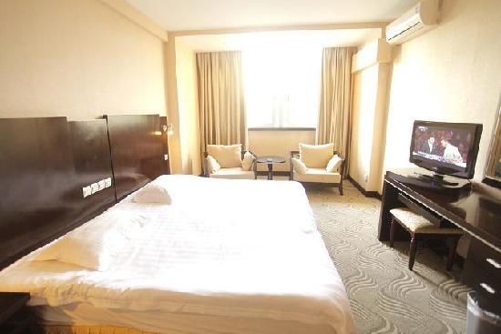 Jindi Hotel: 舒适大床房