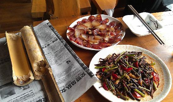 Long Ji One Hotel: 农家菜
